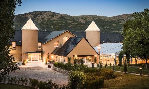 hoteles rurales con encanto en la sierra de madrid posada de alameda
